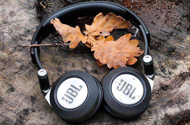 Концертний зал для однієї голови: огляд навушників jbl synchros e40bt